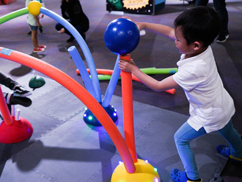 Molecule Forest, by Mika Munch, Chris Chen, and Kelsie Belan, is an interactive, immersive environment where kids can create molecule structures larger than life.